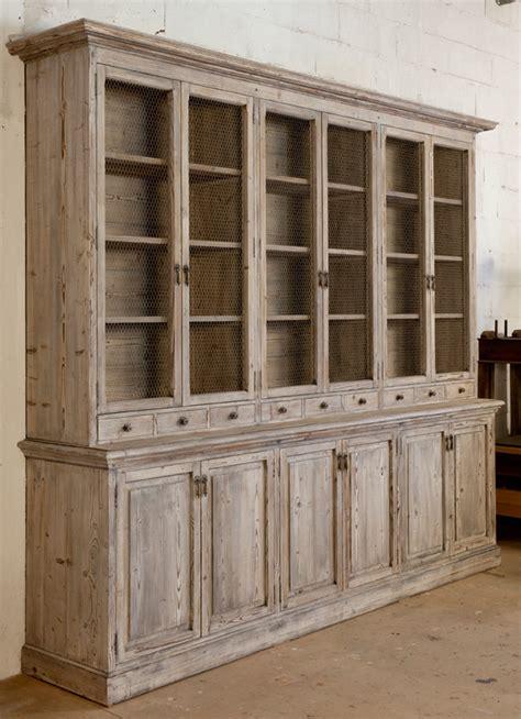 peindre porte cuisine meubles en bois artisanal dans les alpilles le lubron