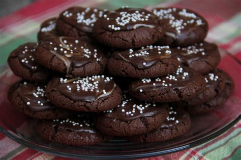 Oct 05, 2020 · our test kitchen sampled all these cake mixes with the following standards in mind: handmade&homemade: Christmas Cookie Parade: Marvelous Chocolate Mint Cookies