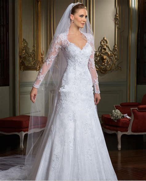 wedding dresses  long sleeves  trainother dresses