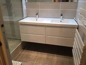 salle de bains en travertin sur vitrolles carrelage With meuble salle de bain carrele
