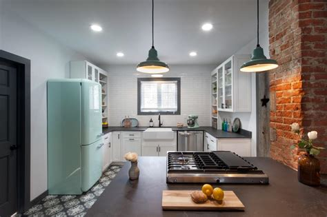 kitchen design shows kitchen makeovers from hgtv s america s most desperate 1352