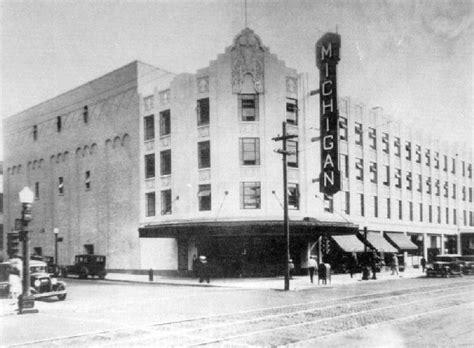 File:Michigan Theater, Muskegon, MI.jpg - Wikimedia Commons