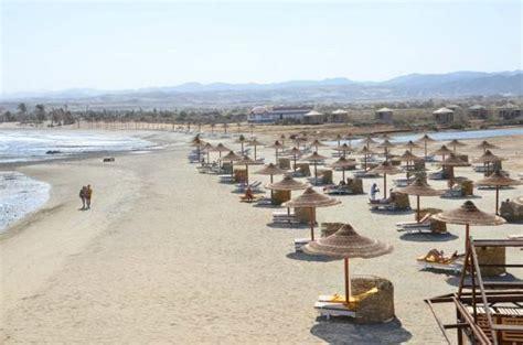 beach picture    corners equinox beach resort