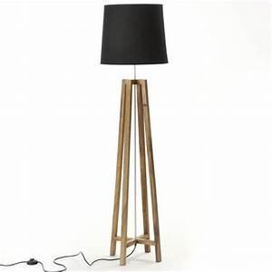Lampe Sur Pied En Bois : lampadaire cross avec abat jour noir et pieds en bois ~ Dailycaller-alerts.com Idées de Décoration