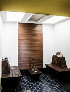 Dunkles Holz Name : flur sitzbank aus holzpaletten verleiht eine rustikale note ~ Markanthonyermac.com Haus und Dekorationen