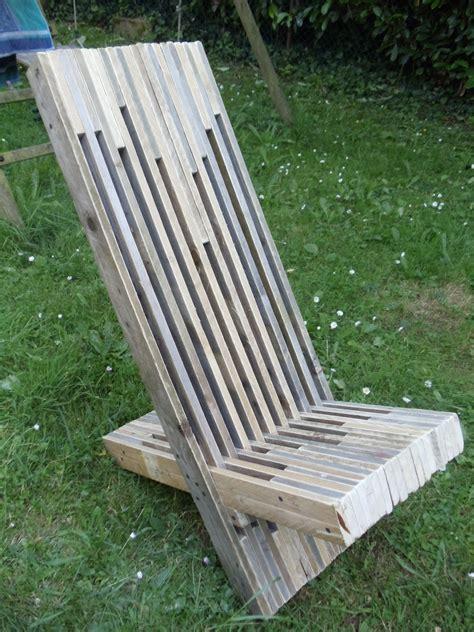 siege en palette fabriquer une chaise à palabre en palette david mercereau