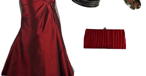 burgundy prom dress combo  black high heel shoes