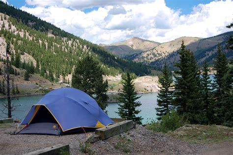 Colorado Lakeside Lodging