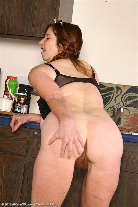 Redhead Mommy Breeze Drag Out Her Cupcakes Milf Fox