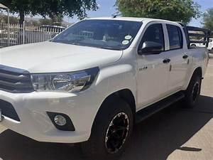 2017 Toyota Hilux 2 4 Gd6 D  C 4x4 Srx Manual For Sale