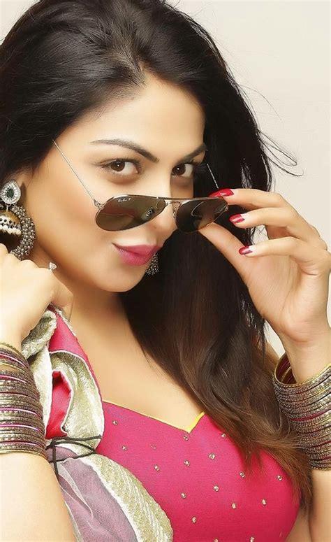 Inderjeet Singh Bollywood : Neeru Bajwa
