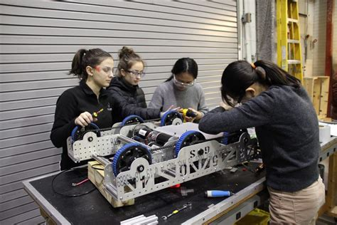 meet girls steel badass robotics team carnegie mellon