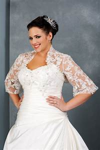 Fall plus size wedding dress with three quarter sleeves for Fall wedding dresses plus size
