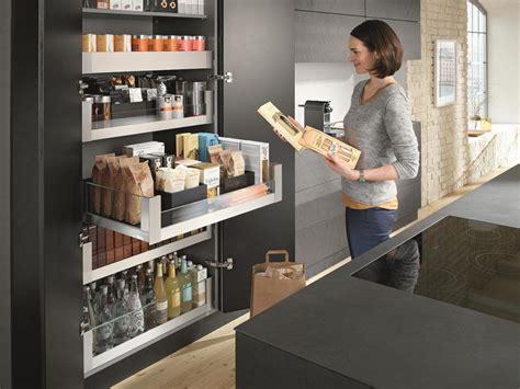 voorraadkast keuken blum voorraadkast keuken met brede lades en handige