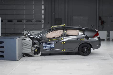 crash test si鑒e auto car crash ford car crash test