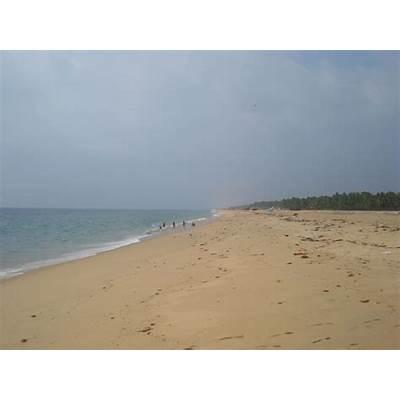 Krishna's ePages: Poovar Pozhikkara Lake and Beach