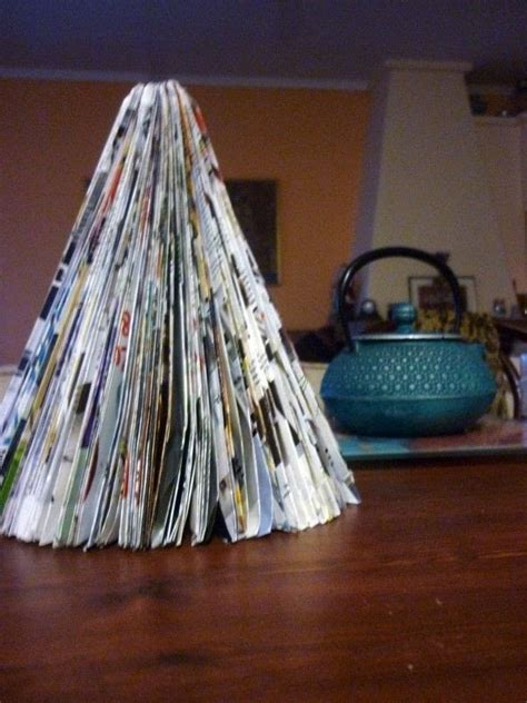 magazine christmas tree     christmas tree