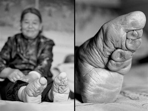 Photographer Jo Farrell Tracks Down The Last Women In