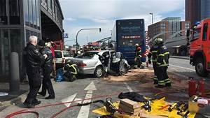 Pkw Maut Deutschland Berechnen : nachrichten aus deutschland unfall am hamburger hafen pkw kollidiert mit bus elf verletzte ~ Themetempest.com Abrechnung