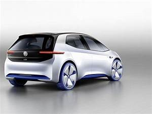 Mercedes-Benz, Volkswagen reveal electric cars at Paris ...