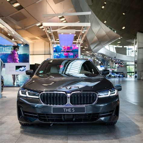 Looking for an ideal 2021 bmw 5 series? 2021 BMW 5 Series Facelift: First Real Life Photos From ...