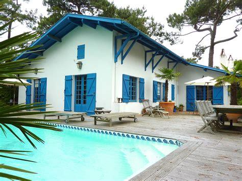 maisons a vendre a vendre proche plage pyla sur mer villa basco landaise avec piscine chauff 201 e