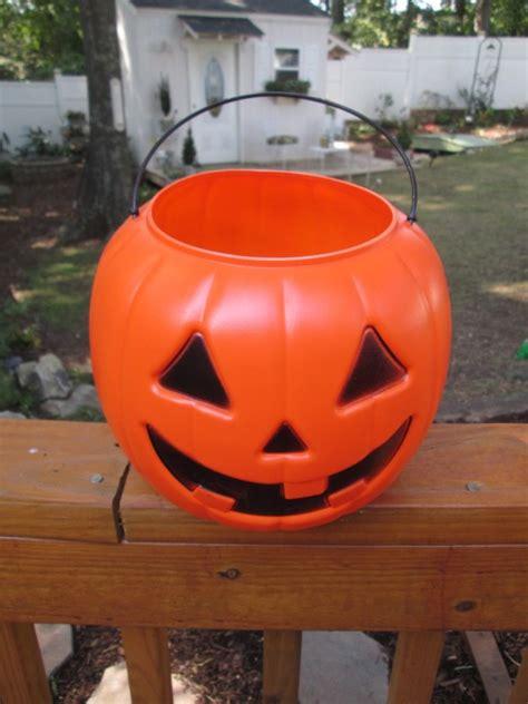 making faux stone plastic pumpkins thriftyfun