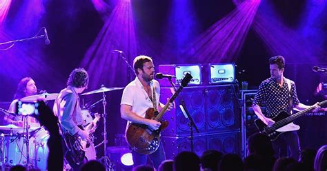 See It Kings Of Leon Play Surprise Gig In Greenwich