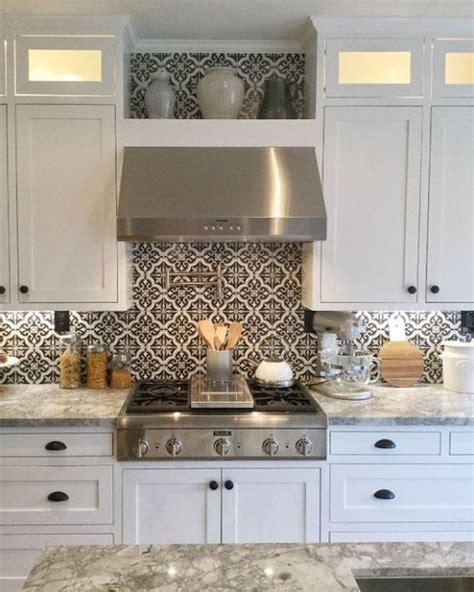 slate backsplash kitchen best 25 backsplash ideas ideas on kitchen 2297