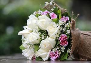 Bouquet De Fleurs : choisir un vase pour mettre en valeur ses jolis bouquets de fleurs ~ Teatrodelosmanantiales.com Idées de Décoration