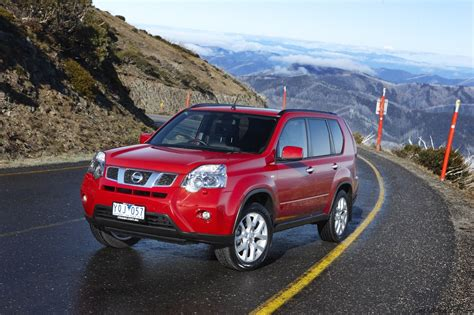 Review Nissan X Trail by Nissan X Trail Pathfinder Road Review Photos