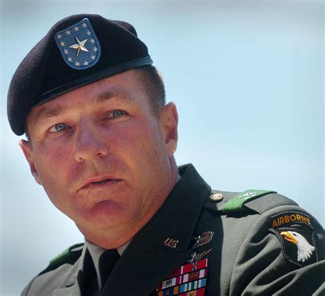 maj gen james mcconville   st airborne commander