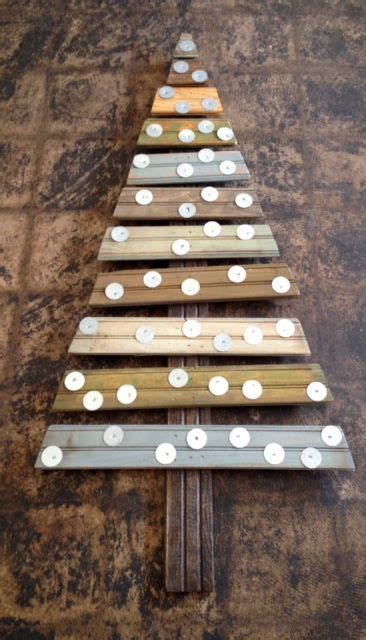 christmas tree    pallet reclaimed wood  metal