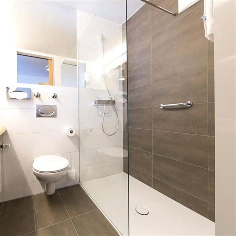 Kleine Badezimmer Günstig Renovieren by Er Kleines Badezimmer Renovieren Ezimmer Renovierung Bad