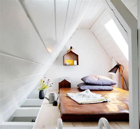 Tür Für Dachschräge by Dachgeschoss Zimmer Einrichten