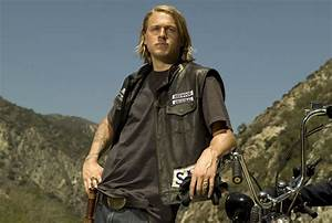 Charlie Hunnam and Katey Sagal Interview SONS OF ANARCHY ...