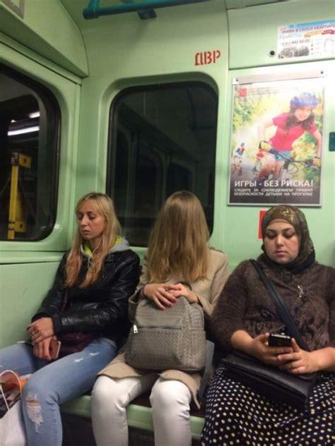 strange people  russian subway  pics