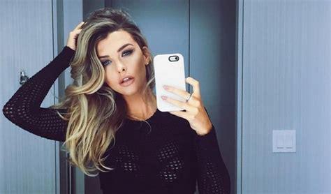 Top 20 Sexiest Women in the World 2021 - WondersList