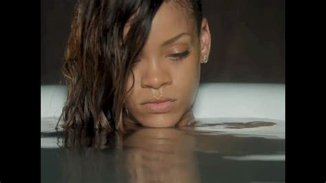 Rihanna Gets Naked For Her 'stay' Music Video