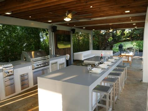 Custom BBQ islands In Miami   Call us today to visit our