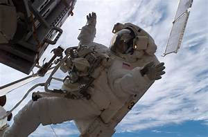 File:Sunita Williams astronaut spacewalk.jpg - Wikipedia