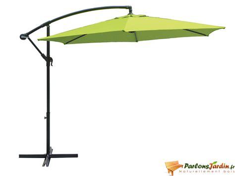 parasol deporte vert anis parasol d 233 port 233 vers anis parasol excentr 233 sur parlonsjardin fr