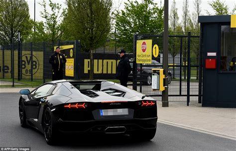 Borussia Dortmund arrive for training ahead of Monaco tie ...
