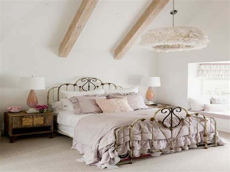 Country chic bedroom ideas, shabby chic bedroom decorating