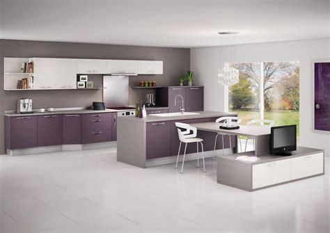 cuisine blanche mur aubergine cuisine modèle glacée en stratifié mat de couleur ou décor