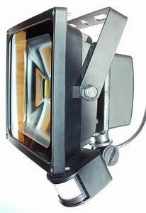 Projecteur Led Avec Détecteur De Mouvement : projecteur ext rieur led avec d tecteur de mouvement ~ Dailycaller-alerts.com Idées de Décoration
