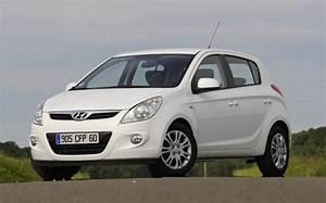 Hyundai La Garde : comparatif ford fiesta contre hyundai i20 2009 l 39 automobile magazine ~ Medecine-chirurgie-esthetiques.com Avis de Voitures