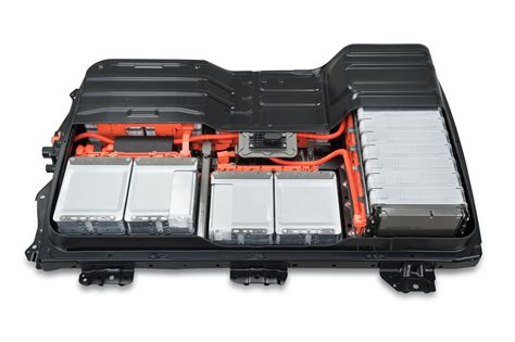 nissan  nv    kwh battery arrives  spring