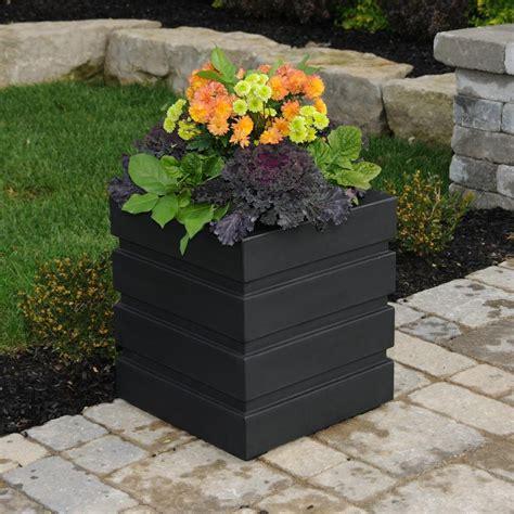 mayne freeport   square black plastic planter
