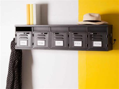 bureau de maison etagère murale 5 casiers en métal noir et 2 patères l100cm